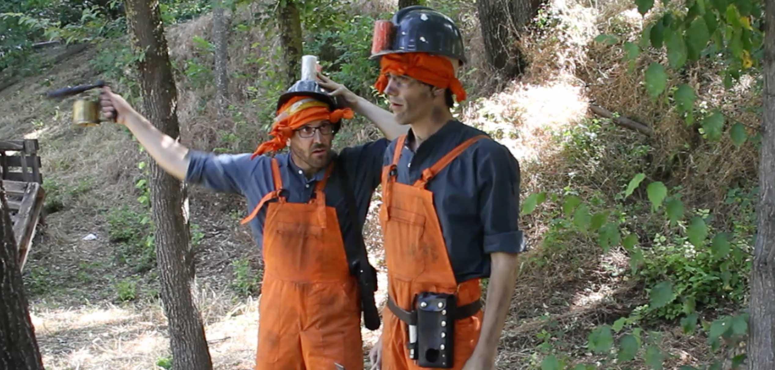 mineros llegando